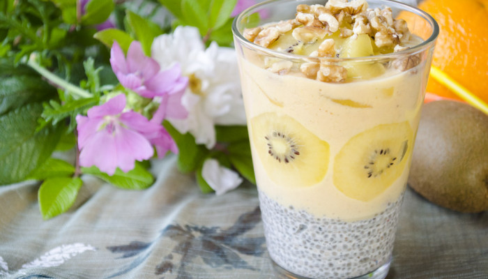 Chia pudding with baobab smoothie